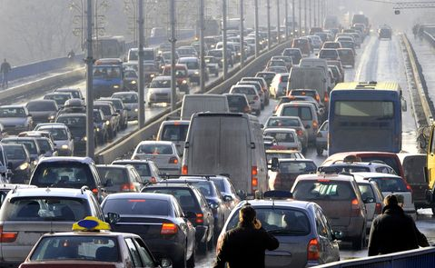 GW名神高速道路渋滞情報や一般道で道路渋滞はなぜ起きる?理由はなに?